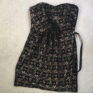 Alexia Admor Black Lace Strapless Cocktail Dress